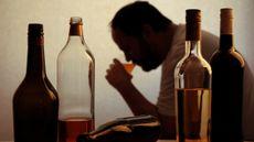 Waspadai Hepatitis Alkoholik, Penyakit yang Mengintai Pecandu Miras