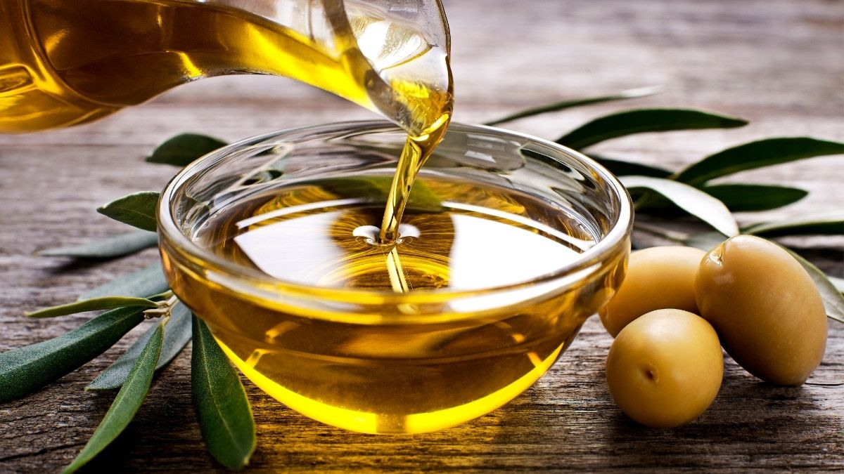 10 Manfaat Minyak Zaitun Untuk Wajah Kaya Antioksidan