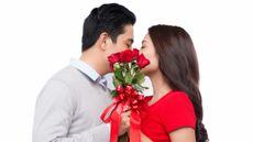 Waspada, Berciuman Bisa Sebabkan Penyakit Ini!