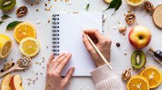 Daftar Nutrisi Persiapan Cepat Hamil (Insta_photos/Shutterstock)
