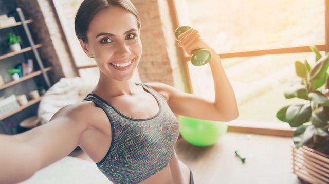 Cara Bentuk Otot Lengan Tanpa Harus ke Gym (Roman Samborskyi/Shutterstock)