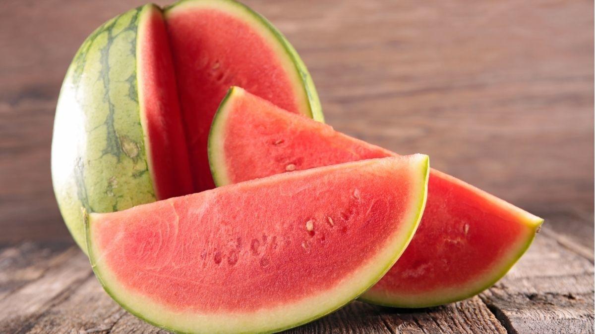 9 Manfaat Semangka untuk Kesehatan Tubuh Anda