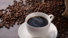 Benarkah Minum Kopi Bermanfaat untuk Hati? (Jazz331/Shutterstock)