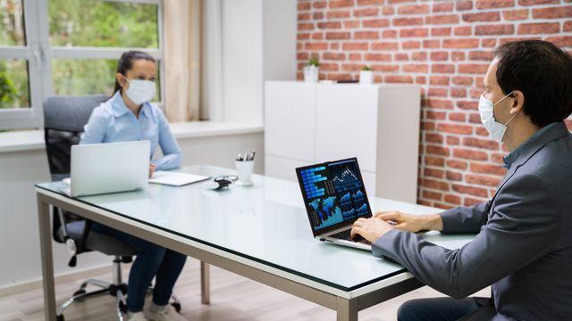 Masih Rapat Temu Muka di Kantor? Ini Aturan Kesehatannya