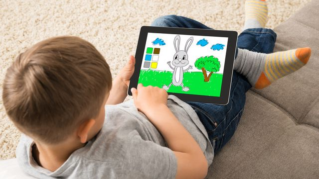 Menyebabkan Anak Mengalami Ketergantungan dengan Gadget