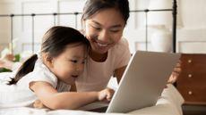 Penuh Tantangan, Ini Alasan Ortu Harus Dampingi Anak Belajar Online