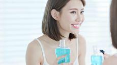 Cara Efektif untuk Memutihkan Gigi di Rumah