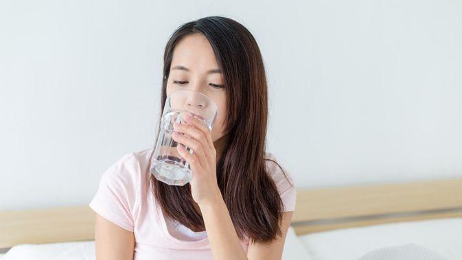8 Manfaat Rutin Minum Air Hangat Di Pagi Hari