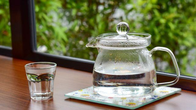 10 Manfaat Minum Air Hangat Untuk Kesehatan