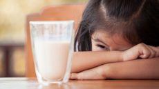 Penyebab Si Kecil Tidak Mau Minum Susu