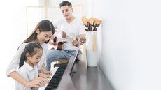 Manfaat Musik untuk Tumbuh Kembang Anak (Pakorn Khantiyaporn/Shutterstock)