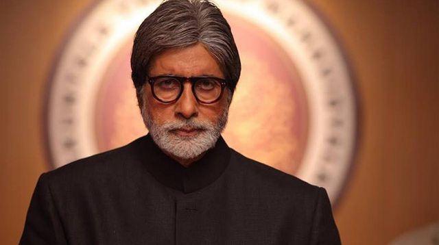 Aktor Bollywood, Amitabh Bachchan dan Keluarganya Terinfeksi COVID-19! (Foto: indianexpress.com)