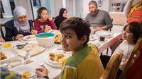 Jangan Lewatkan Sahur, Ini Manfaatnya Bagi Kesehatan (Zurijeta/Shutterstock)