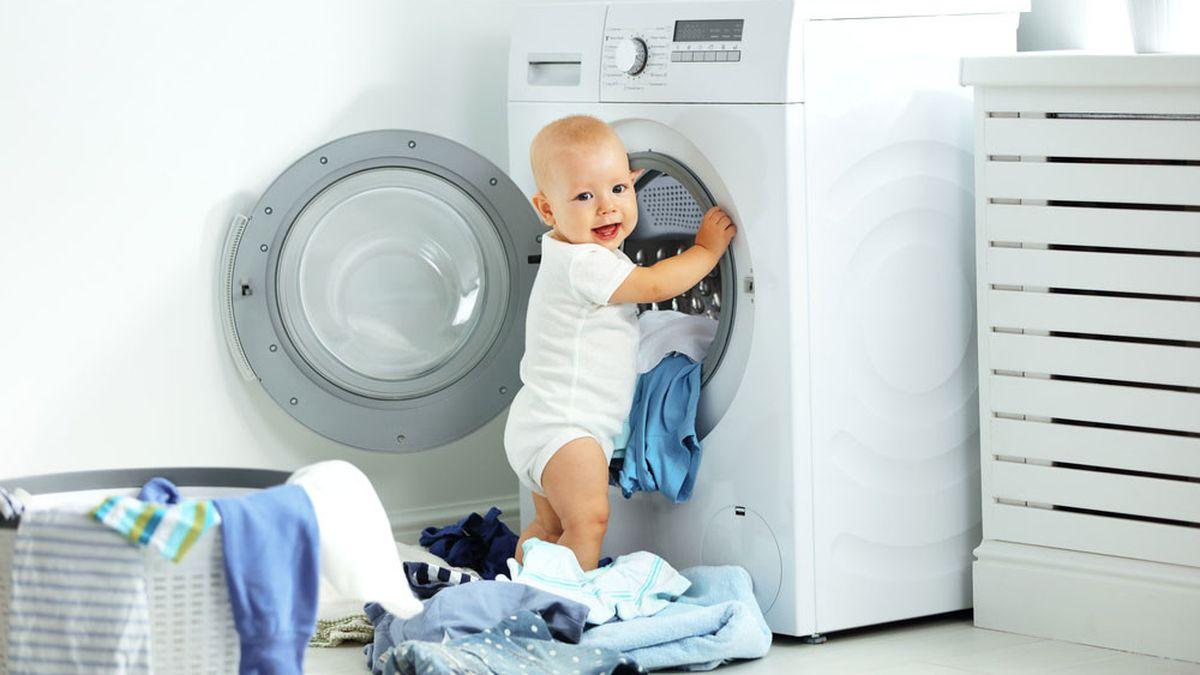 8 Cara Mencuci Baju Bayi Yang Benar Cegah Iritasi Cara mencuci pakaian yang benar