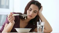 Mengapa Patah Hati Bikin Tak Nafsu Makan? (Africa studio/shutterstock)