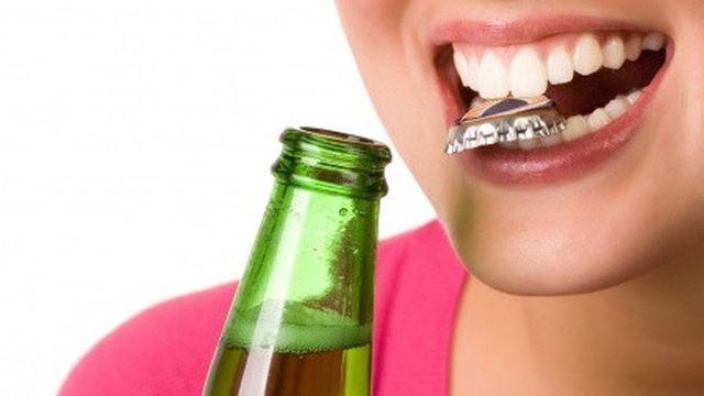 8 Kebiasaan Buruk yang Merusak Gigi