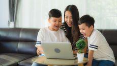 Tips Jadi Single Parent Meski Tak Akur dengan Mantan Pasangan (Foto: lifeforstock/Freepik)