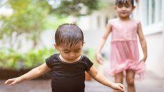 Bolehkah Anak Batita Main Hujan