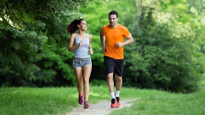 8 Manfaat Olahraga Bersama Pasangan yang Perlu Diketahui