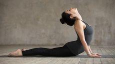 Gerakan Yoga yang Dapat Jadi Posisi Seks Favorit Anda
