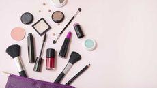Menilik Bahaya Kosmetik bagi Ibu Hamil (Becky Starsmore/Shutterstock)