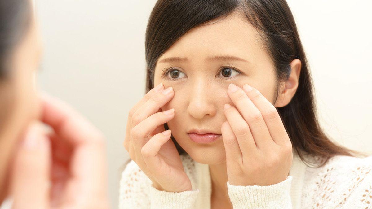 Mencuci Muka Dengan Air Hangat Untuk Menghilangkan Jerawat