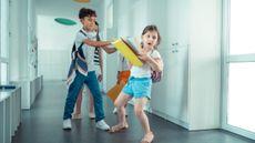 Penyebab dan Cara Mengatasi Anak yang Berperilaku Kasar (Foto: yacobchuk/Canva)
