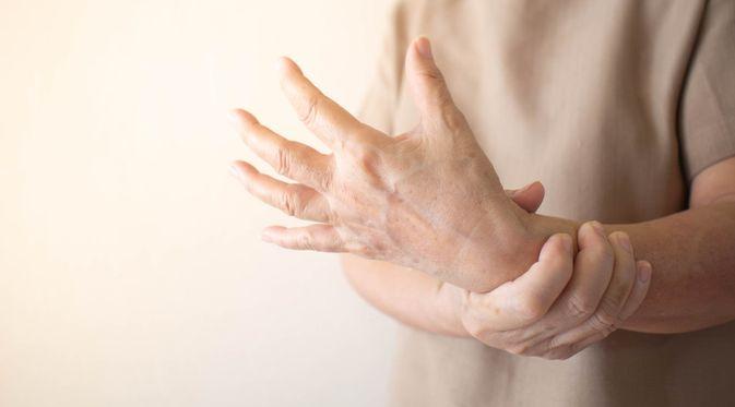 Penyakit Kesemutan (Orawan Pattarawimonchai/Shutterstock)