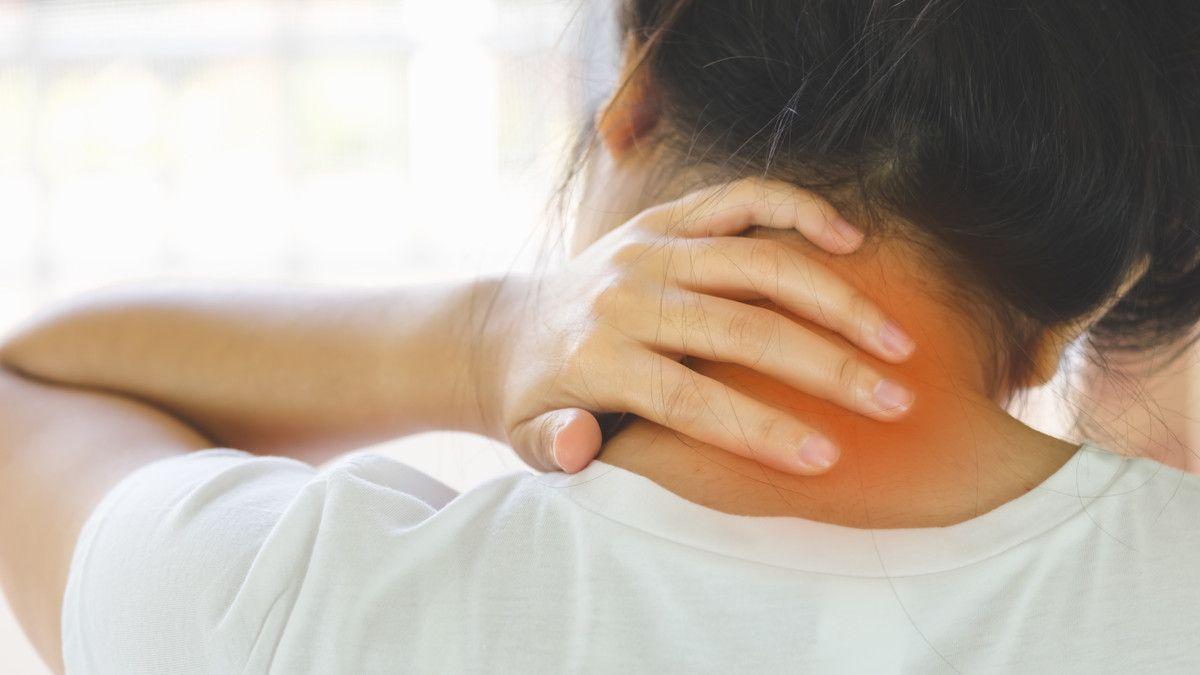 Sering Sakit Leher Sudah Pasti Gejala Kolesterol Tinggi?