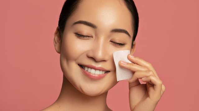 Penggunaan Kertas Minyak untuk Wajah Picu Komedo, Benarkah?