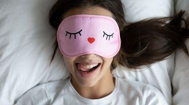 Tertawa saat Tidur atau Hypnogely, Wajar atau Tidak? Ini Faktanya!