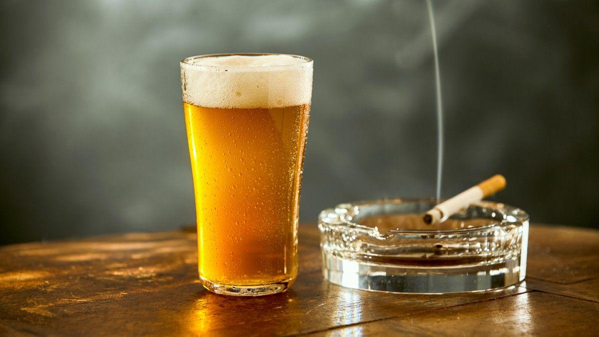 Benarkah Rokok dan Alkohol Menyebabkan Gangguan Tidur?