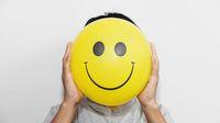 Sehari-hari Bersifat Humoris, Sudah Pasti Bahagia?