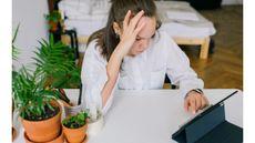 Cara Mengatasi Zoom Fatigue Saat Pandemi COVID-19