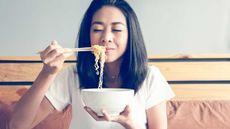 Apakah Ibu Hamil Boleh Makan Mi Instan? (Rachata Teyparsit/Shutterstock)
