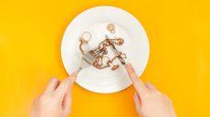 Hobi Makan Benda Tak Lazim, Bisa Jadi Mengidap Pica Eating Disorder